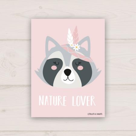 Lámina infantil mapache con fondo rosa