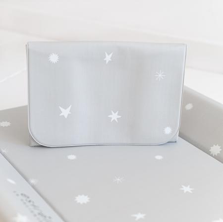 Cambiadores bebé gris con estrellas blancas
