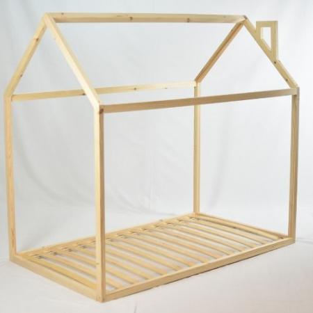 Cama casita infantil con tejado