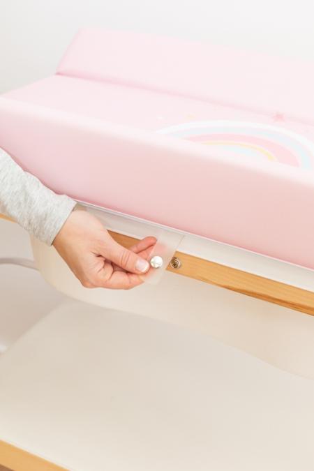 Detalle sistema cierre de cambiador a bañera bebé