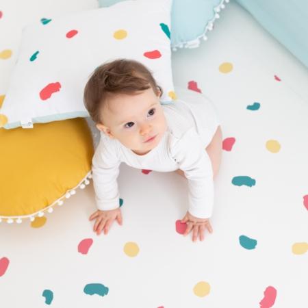Cojín y alfombra colección huellas